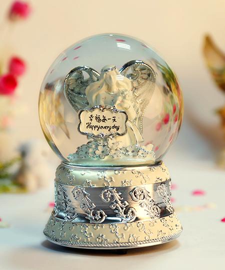 乐加幸福每一天银色水晶球音乐盒