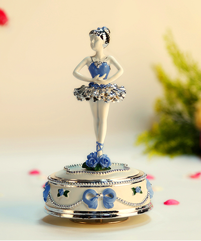 孤单芭蕾女孩音乐盒
