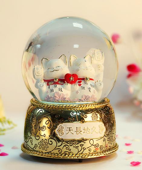 金色天长地久招财猫水晶球音乐盒