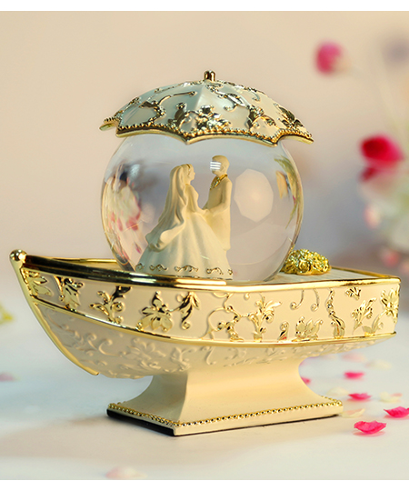 金色新娘船水晶球音乐盒