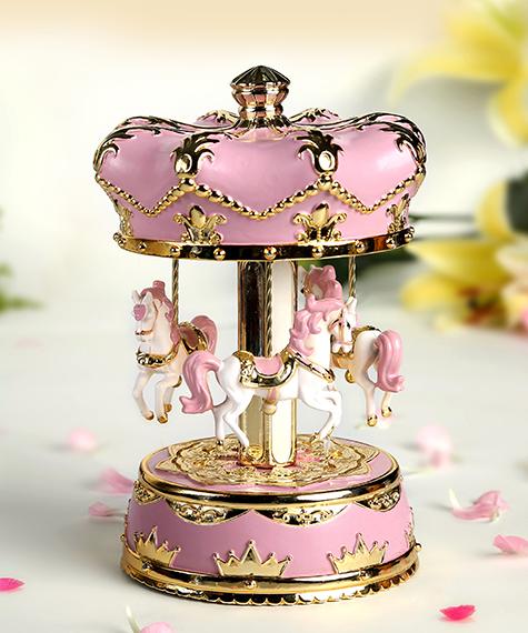 乐加新款粉红金色皇冠旋转木马音乐盒