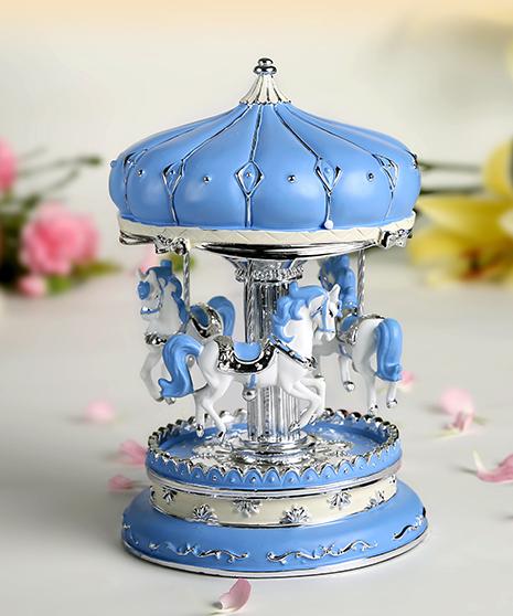 乐加粉蓝银色城堡旋转木马音乐盒