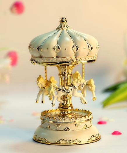 乐加米白金色城堡旋转木马音乐盒