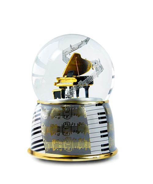 钢琴水晶球音乐盒
