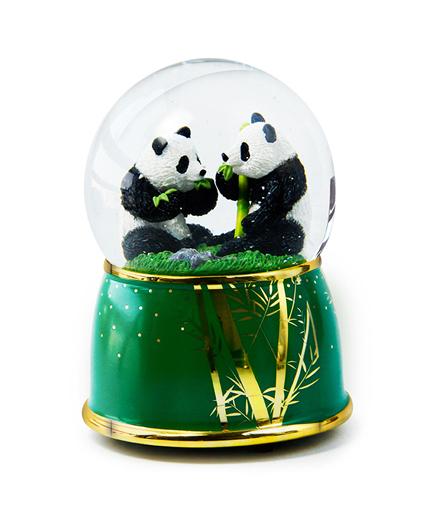 熊猫水晶球音乐盒